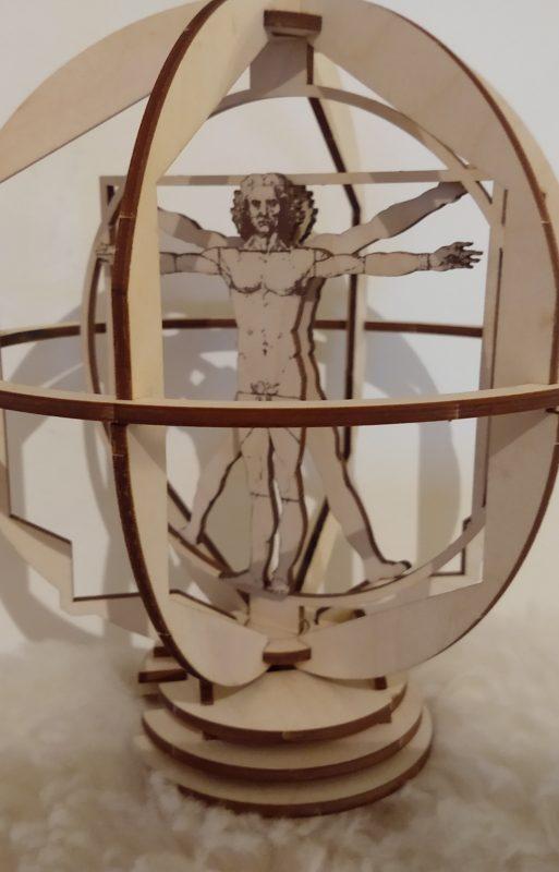 Vitruvianischer Mensch – Statue