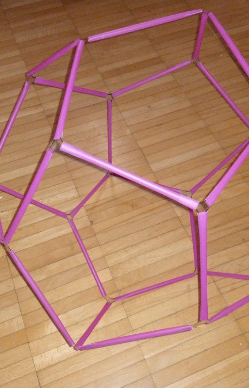 Werkstatt: Geometrische Körper mit Strohhalme